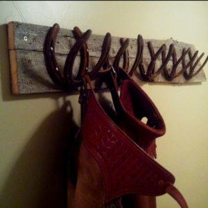 coat rack horseshoes