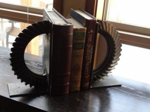 welded book end